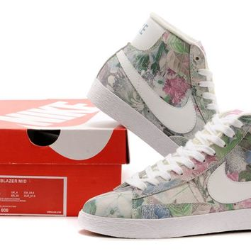 Nike Blazer Mid Colorful Flowers  Sneaker