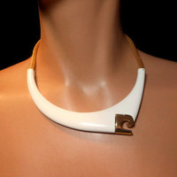 Fabulous 1970s modernist Pierre Cardin choker modern collar white enamel over gold plating with logo