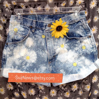 Daisy High Waisted Shorts Daisies Festival Fashion 90's Acid Wash Hand Stamped Waist 28  //SUZNEWS ETSY STORE//