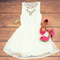 SZ LARGE Amazing Lace Ivory Party Dress
