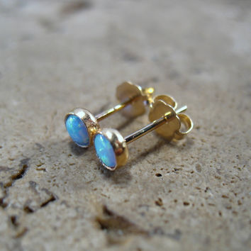 Stud Earrings 14k Solid Gold with White Opal 4mm