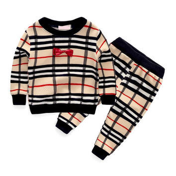 New 2017 Spring Fashion Plaid Baby Boys Clothing Sets Bow Tie Style Long Sleeve + Pants Suits For Infant Boy Clothes Tracksuits