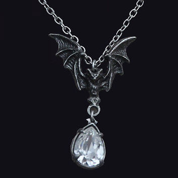 Alchemy Gothic La Nuit Pewter Necklace. Vampire Bat. Horror. Gem. Halloween.