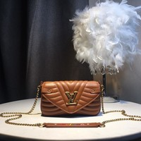 Kuyou Gb59918 Lv Louis Vuitton M67531 Lv New Wave Brown Leather New Wave Chain Pochette 19x12cm