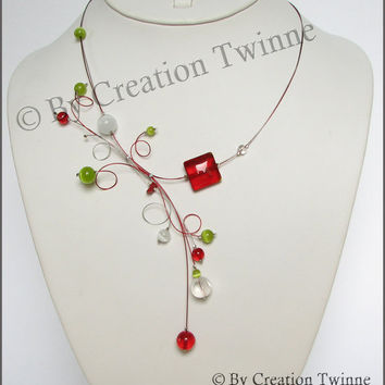 red and green necklace swirls necklace by creationtwinne on Etsy