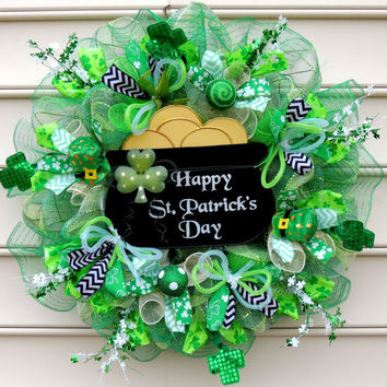 Happy St Patrick's Day Deco Mesh wreath Patty St Patricks day wreath Leprechaun Shamrock Clover leaf Pot of Gold wreath Door Decor