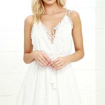 Social Butterfly White Backless Lace Dress