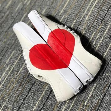 """Vans"" Unisex Fashion Casual Love Heart Canvas Plate Shoes Fashion Couple Slip-on Small White Shoes"