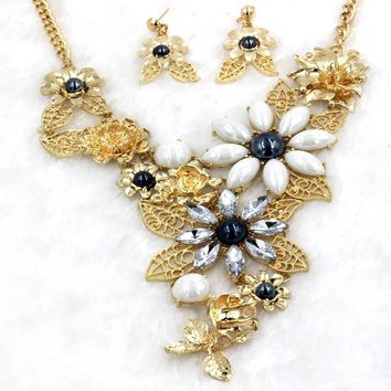 Hot Exaggerated Flower Shape Ceramic Horse Eye Female Wedding Jewelry Popular Earrings Necklace Two-piece Jewelry Sets
