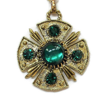 Large Emerald Green Cabochon And Rhinestone Medallion Pendant Necklace, Set In Gold Tone, Statement Jewelry