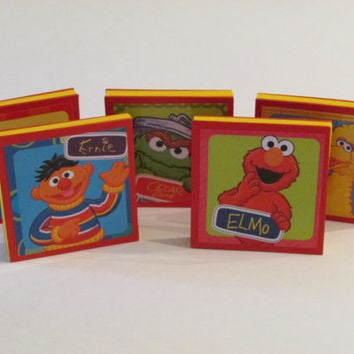 Sesame Street Note Pads Set of 5 - Excellent Party Favors - Elmo - Big Bird - Ernie - Cookie Monster