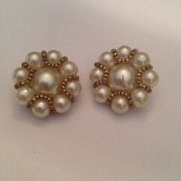 Vintage Pearl Cluster Earrings 1980s Costume Jewelry Bride Wedding Party