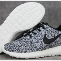Discount Nike Roshe Run Speckled White Womens Mens Shoes Sail Black Shoes | Authentique Nike Free 5.0 Flyknit à vendre, Achat Nike Air Max 2015 en ligne