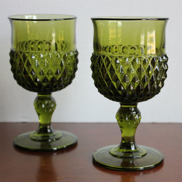 Green Diamond Point Goblets, Set of 2 Indiana Glass Vintage Retro Pedestal Wine Water Glasses