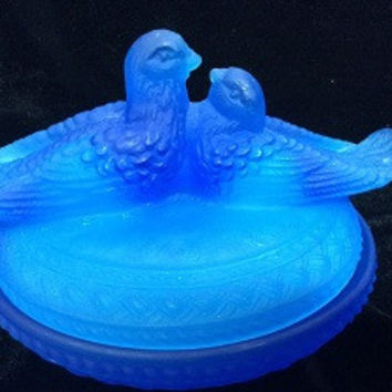 Vintage Westmoreland Glass Cobalt Blue Lovebirds Covered Dish