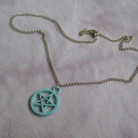 pastel pentagram necklace, nu goth, pastel goth necklace, fairy kei, soft grunge, pagan jewelry, pentagram necklace, wiccan jewelry