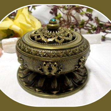 """Lotus "" Incense Burner"
