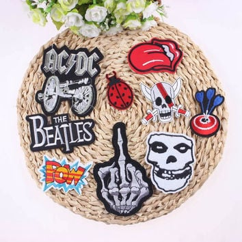 1Pcs Mixture Sell DIY Cheap Embroidered Outlaw Biker Patches For Clothing Iron On Punk Rock Patch Badges For Clothes Stickers