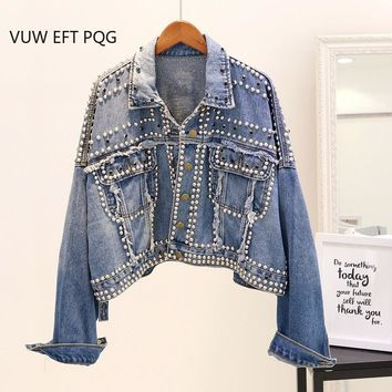 Trendy 2018 New Autumn Jeans Jacket Women's Handwork Rivet Studded Denim Jacket Loose Outwear Female Students Casual Short Denim Coats AT_94_13