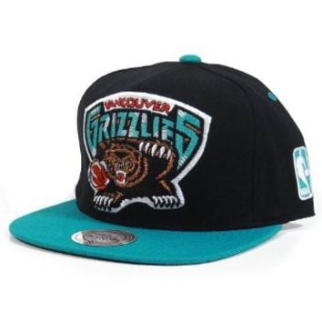 Vancouver Grizzlies Mitchell & Ness XL Logo 2 Tone Snapback Black and Teal Hat