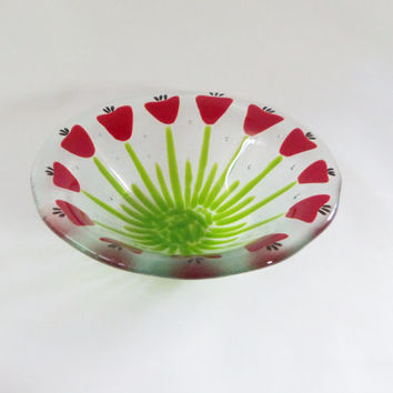 FuSeD ArT GlAsS BoWl  WiTh ReD FloWeRs TuLipS PoPpiEs
