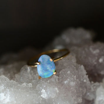 Australian Opal Gold Ring. Minimal Dainty. Gold Fill Opal Ring. Australian Opal Jewelry. Unique Gemstone Gold Claw Ring. Gifts for Her