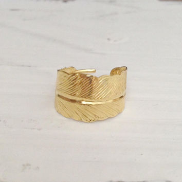 Feather Ring in Gold, Adjustable Bohemian Jewelry Boho Chic, Festival Accessories, Shiny Ring, Lead Free and Nickel Free
