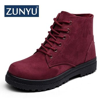 ZUNYU Plus Size 35-44 Female Botas Motocycle Ankle Boots Women Boots Flat Lace-Up Martin Boots Autumn Shoes Booties