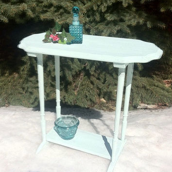 Up cycled table, chalk painted table, side table, cottage end table, shabby end table, restored end table,