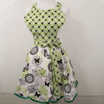 Women's Reto Sweetheart Apron--Green with Black -Made in the Usa---READY TO SHIP