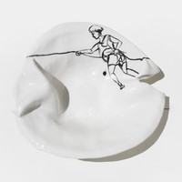 "Porcelain dish with linear drawing ""Climber"""