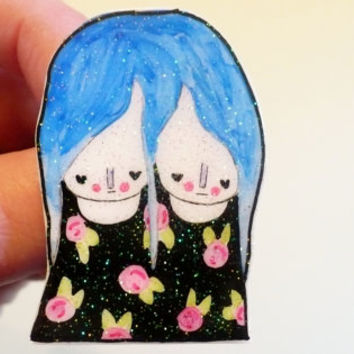 Twins, Twinsies Brooch, pin, twin girl pin, blue hair, holographic glitter pin, tumblr, 90's, floral, black, pink, green