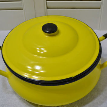 Vintage Asahi Yellow Pot with Lid 1 Quart Enamel Cookware Enamelware Japan PanchosPorch
