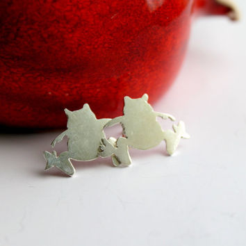 Tiny Frog Silhouette Sterling Silver Stud Earrings by meltemsem