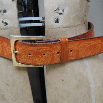 Vintage Tooled Horse Pattern Leather Belt / Vintage Tooled Cognac Leather Belt With Gold Toned Buckle / Mustang Leather Belt / Cowgirl Style