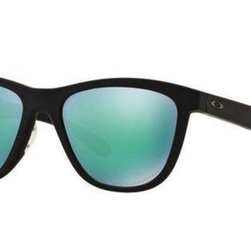 LMFON Tagre? Oakley Womens Sunglasses - Moonlighter - Polished Black, Jade Iridium - OO9320-1