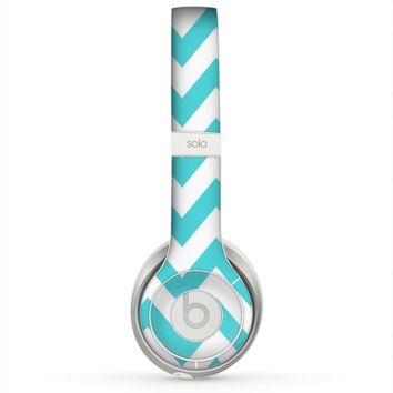 The Subtle Blue & White Chevron Pattern Skin for the Beats by Dre Solo 2 Headphones