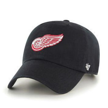 ONETOW NHL 47 Brand Detroit Red Wings Black Adjustable Clean Up Hat