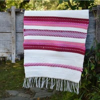 Pink and white cotton rug, striped white and pink rug, cotton tricot rug, white handwoven rug, pink handwoven cotton rug