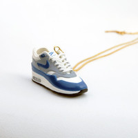 Sneaker Necklace Air Max 1  / collier mini basket