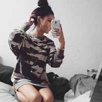 Long Sleeved Round Camouflage Print Loose Sweater B0013794