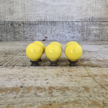 Drawer Knobs 6 Drawer Pulls Yellow Ceramic Knobs Ceramic and Brass Cabinet Knobs Dresser Drawer Hardware Retro Ball Knobs Antique Hardware