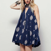 Ethnic Floral Hollow Out Sexy Deep V-Neck Pullover Bohemia Loose Seaside Holiday Beach Pleated Mini Dress New Vintage Women Blue