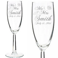 Set of 2 -Beach Theme Engraved Wedding Champagne Glass - Custom Name - Wedding Toasting Glasses with Shells- Bride & Groom