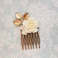 Cream Rose Hair Comb Bridal Hair Piece Bridesmaid Gift Romantic Vintage Inspired Big Rose Hair Comb Floral Collage Comb Holiday Fashion