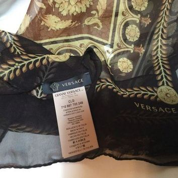 DCCK2JE NWT Versace Women's Printed Scarf, Multi Colors of Brown