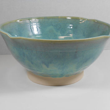 Large serving bowl, salad bowl, pasta bowl, or mixing bowl in light green B55