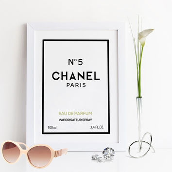 No5 CHANEL PERFUME,Chanel Perfume Bottle 100ml,Fashion Wall Art,Fashionista,Bathroom Decor,Gift For Birthday,Coco Chanel Print,Printable Art