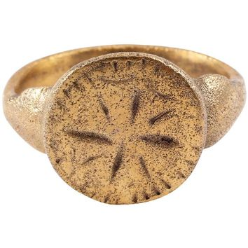 FINE MEDIEVAL MAN'S RING, 12th-13th CENTURY