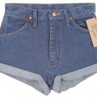 Wrangler Indigo Denim Turn Up Shorts W26.4 - Vintage clothing from Rokit - denim shorts, denim turn ups,